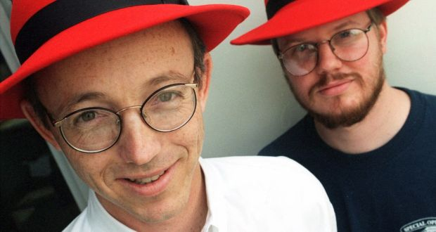 Robert Young (izq.) y Marc Ewing en 1998 - Fundadores de Red Hat
